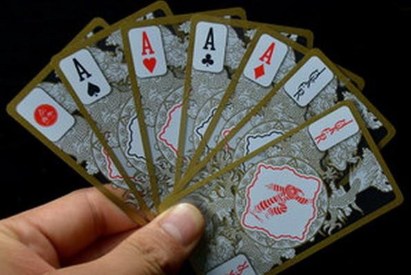 德州扑克翻后拿着J7s和87s这样的牌应该怎样打?