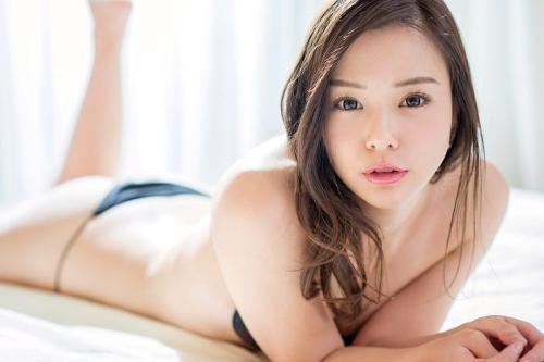 SIVR-036 :让你连续射精!葵つかさ、吉高宁々合体做泰国浴的泡泡姬了!
