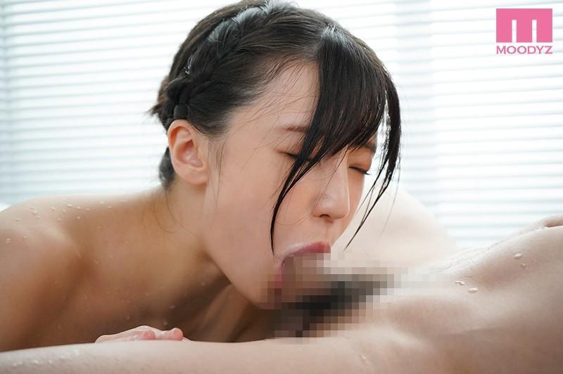 """MIDE-902:""""高桥圣子 """" 深喉咙爆发吞食肉棒大秀""""舌上发射""""神技."""