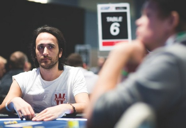 德州扑克如何应对言语试探