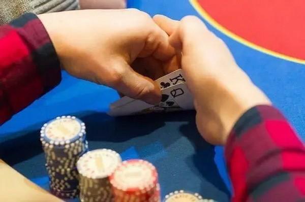 德州扑克你可能不知道的五个诈唬错误