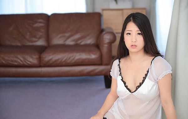 忧郁少妇铃木さとみ顶到最深处的浓密极致性爱!