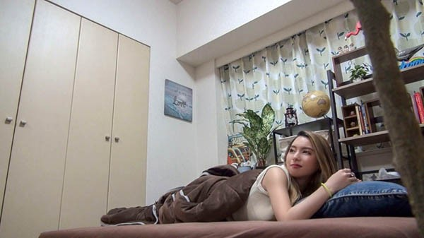 200GANA-2299:露鲍鱼的辣妹咲乃柑菜在床上激情敏感!