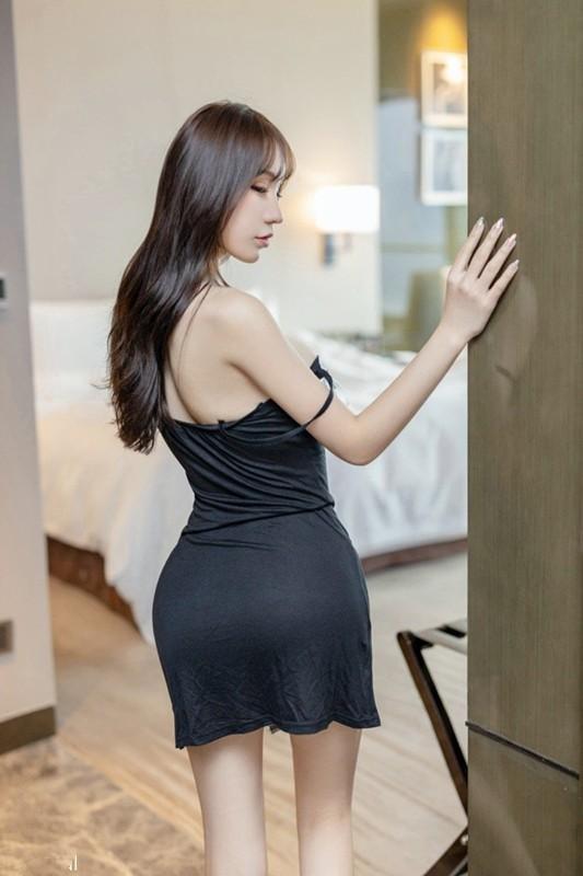 情趣SM满足男人的撕扯欲望 性感尤物周于希被绑在床任你处置 。
