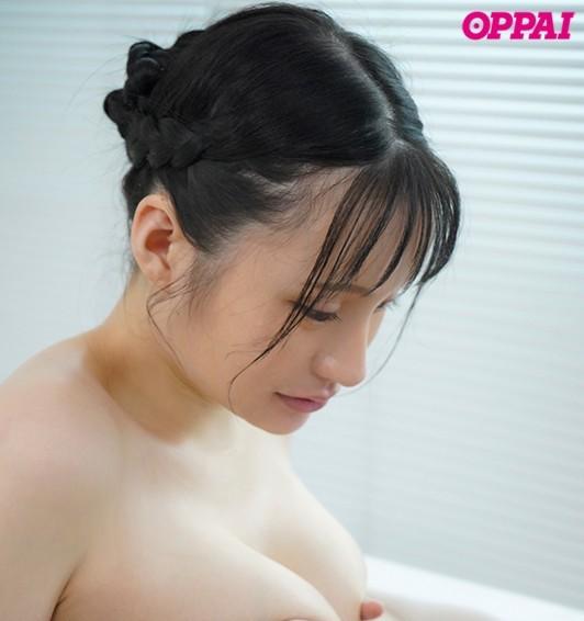 "PPPD-902:天然巨乳女大学生""赤江恋実""露出雪白J奶大玩乳交!"