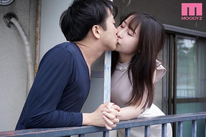 成田つむぎ(成田紬)作品 MIAA-382:隔壁貌美女主播淫语勾人夫,引忍不住背着妻子中出了!