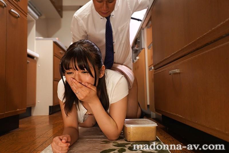 "JUL-397:想看老婆被上…巨乳人妻""小泉ひなた(小泉日向) ""中出不伦性爱。"
