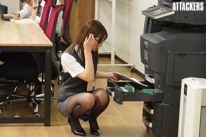 东条なつ(东条夏)作品RBK-020 : 讨厌的上司用职权逼她张开双腿乖乖就范。
