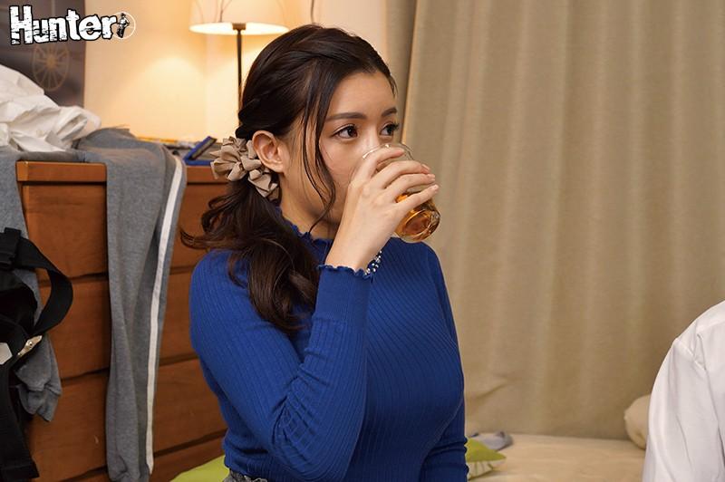 "ROYD-001 :淫荡巨乳家教""永井玛利亚 (永井マリア) ""被压在玻璃上干了起来⋯"