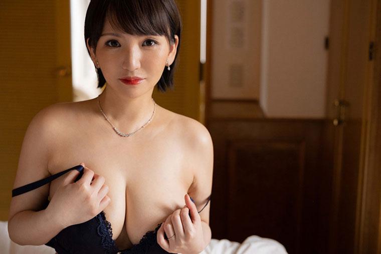 "JUL-710:I级艳后""小笠原るい(小笠原留衣)  ""湿润现身!"