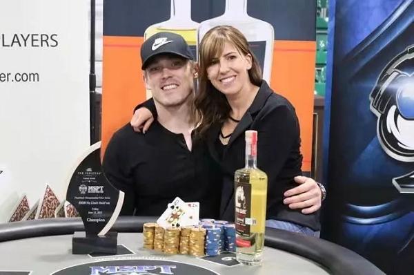 Alex Foxen夫妇一边抵制WSOP 一边利用其为自己牟利!