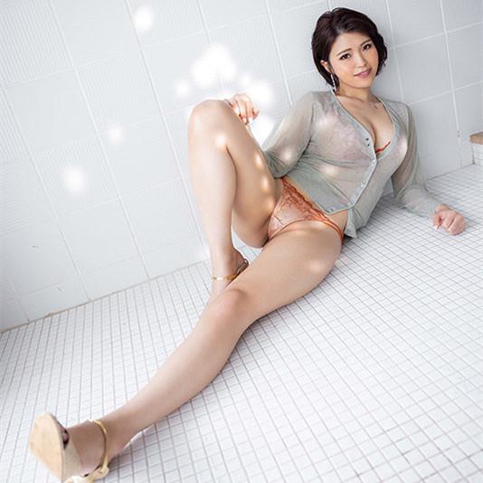 枣レイ(枣玲)JUL-751:欲求不满的人妻魅惑的G罩杯!